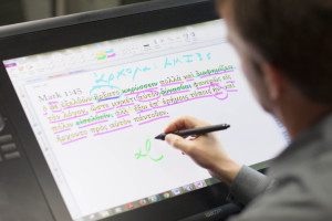 Robert L. Plummer, professor of New Testament interpretation at Southern Seminary, uses the award-winning tablet technology developed for his Elementary Greek course.