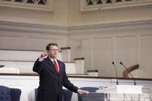 William D. Henard III, executive director-treasurer of the West Virginia Convention of Southern Baptists, delivers a Feb. 9 chapel message on church revitalization at The Southern Baptist Theological Seminary.
