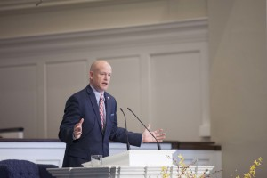 Jimmy Scroggins, Florida pastor and two-time Southern Seminary alumnus, said Christians should yearn to reach people who are far from God in his March 29 chapel address.