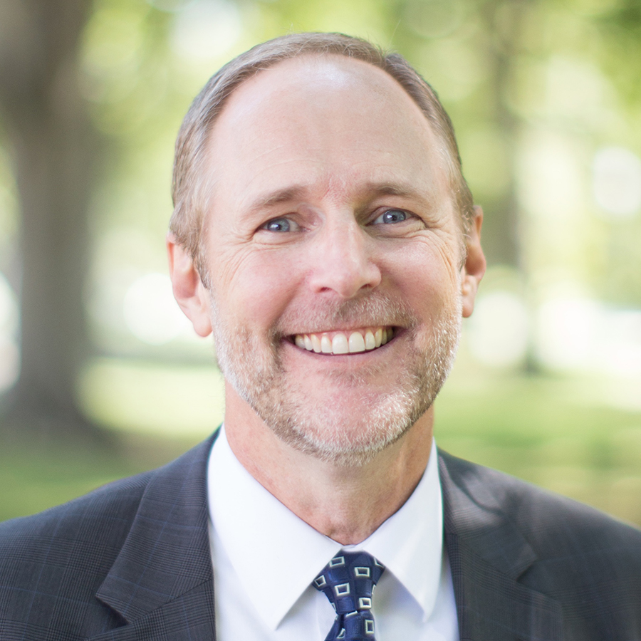 Photo of Ken Magnuson